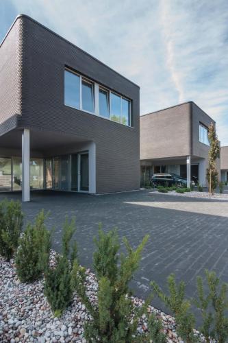 Lazunu namai (1)